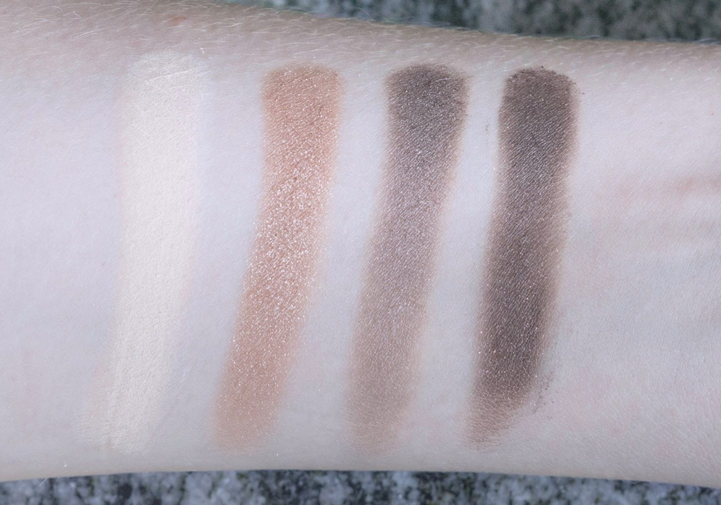 The Body Shop Down to Earth Palette swatches